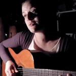 Thaïs Morell toca Feitio de Oração, composição de Noel Rosa e Vadico